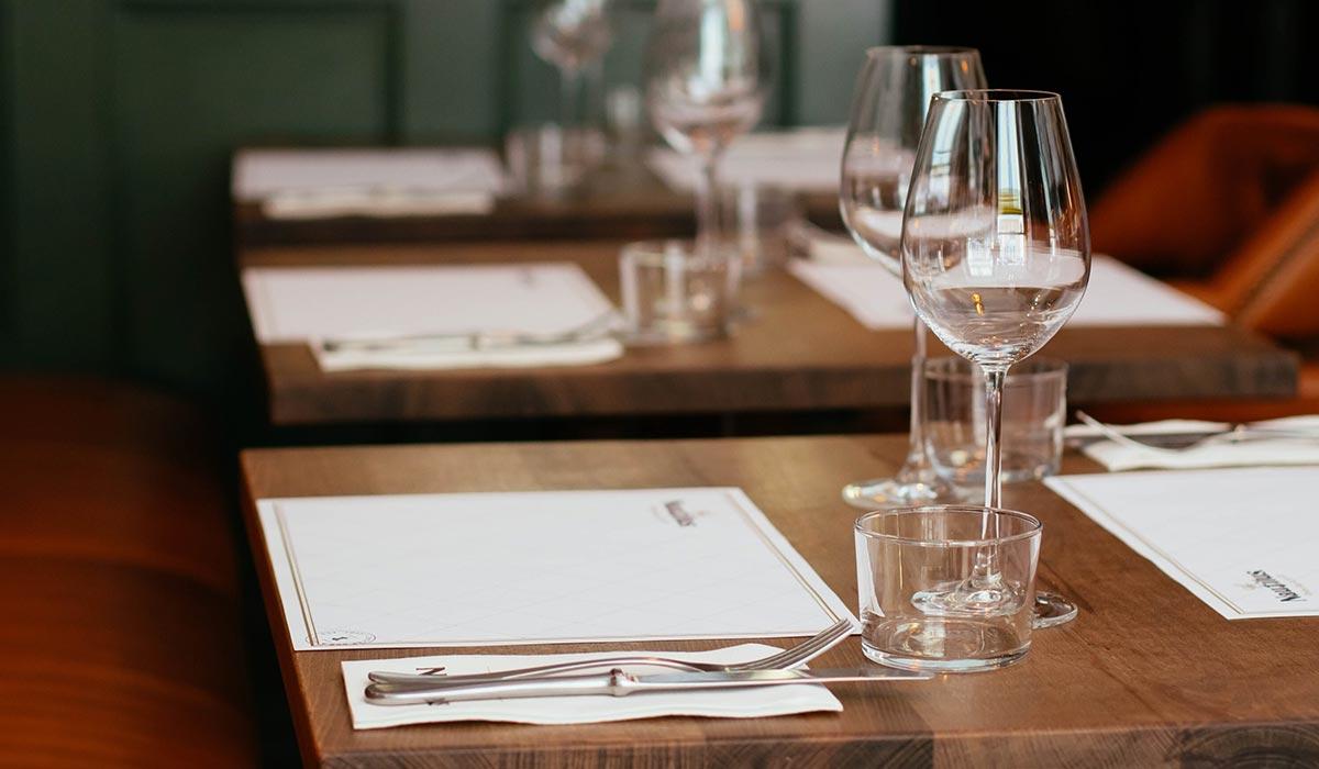 branchen-vorlagen-kubuni-einfachster-design-editor-der-welt-design-gestaltung-branche-restaurant-und-bar